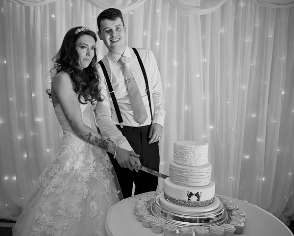 wedding cake photograph manchester