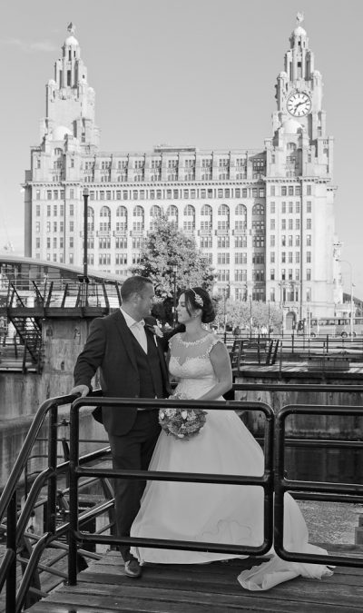 wedding photographs at liver building liverpool