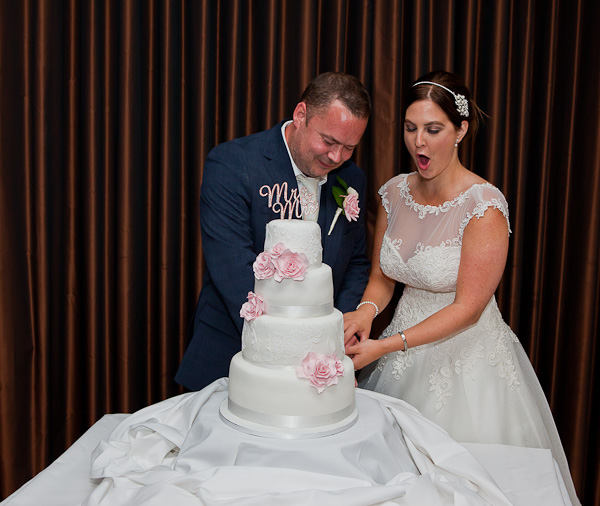 wedding cake crowne plaza liverpool